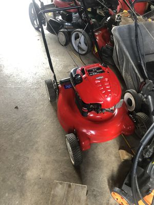 NICE USED PUSH MOWER for Sale in St. Louis, MO