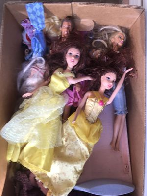 Box full of Barbie a and bratz dolls for Sale in City of Industry, CA