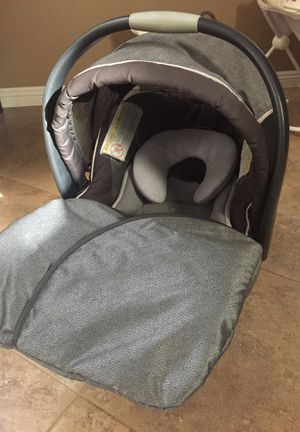 Chicco KeyFit 30 Magic car seat for Sale in Beaumont, CA