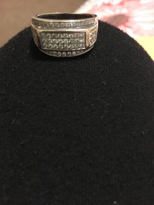 Men's 10k White Gold Ring 7.7g for Sale in Altoona, IA