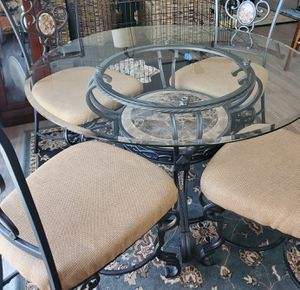 5 piece kitchen table with matching bakers/wine rack for Sale in Moyock, NC