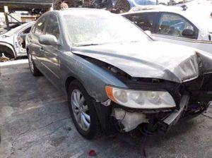 2006 Hyundai Azera - For Parts Only for Sale in Pompano Beach, FL