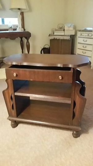 Couch end table for Sale in Houghton Lake, MI
