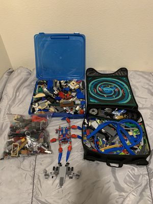 Lots of Legos & 2 Cases for Sale in Shoreline, WA