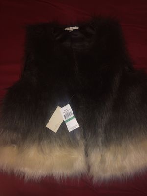 FEVER FAUX FUR OMBRE VEST for Sale in Columbus, OH