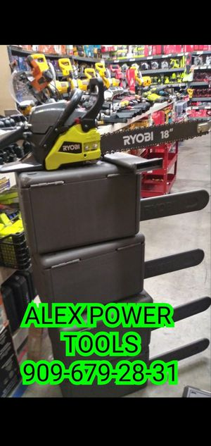 RYOBI GAS CHAINSAW 18 IN for Sale in San Bernardino, CA
