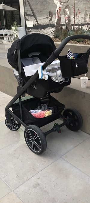 Nuna mixx + pipa car seat and base for Sale in Los Angeles, CA