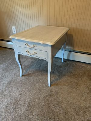 Night stand / End Table for Sale in Lebanon, PA