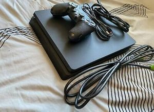PlayStation 4 500gb with Remotes and Cords for Sale in Backus, MN