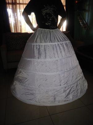 Crinolina para vestidos/for dresses for Sale in Las Vegas, NV