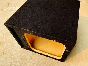 $50 / 12 inch Kicker L7 Ported Sub Box for Sale in Sanger, CA