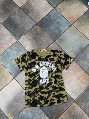 Bape camo t-shirt/ size adult small for Sale in Miami, FL
