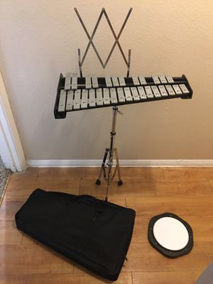 Percution instrument: xylophone with stand , pad and carrying bag for Sale in Abilene, TX