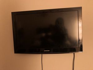 32 inch tv for Sale in Baltimore, MD
