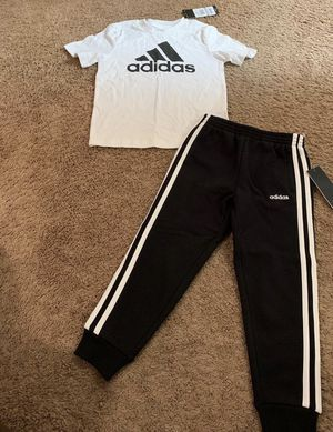 Boys adidas Outfit 4T for Sale in Atlanta, GA