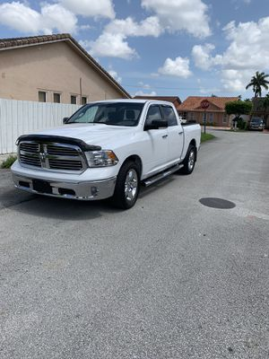 2015 dodge ram 1500 hemi 5.7 for Sale in Hialeah, FL
