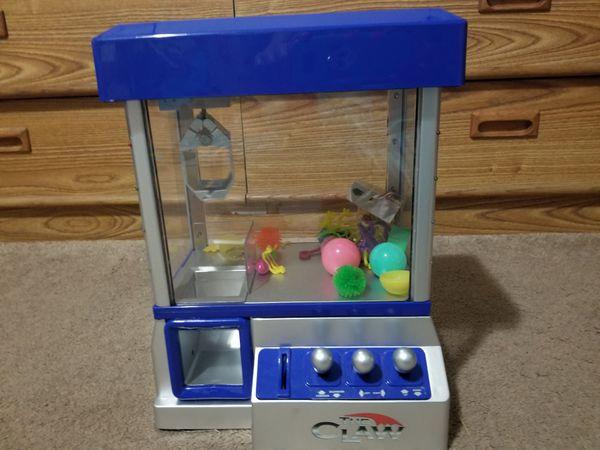 Mini Arcade Claw Machine