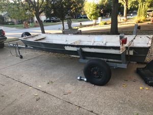 14' Aluminum Flat bottom jon boat and HD trailer for Sale in Grapevine, TX