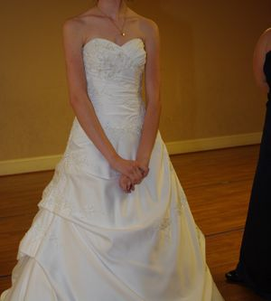 Wedding Dress size 2 to 0 for Sale in Leeds, AL