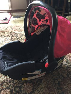 Graco Snugride 30 car seat for Sale in Imperial, CA
