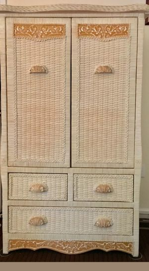 Looking for this Pier One bedroom set for Sale in Pensacola, FL