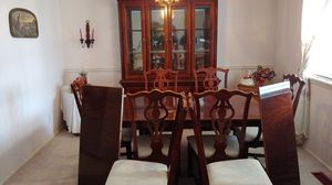 Kitchen table and China hutch for Sale in Fort Smith, AR