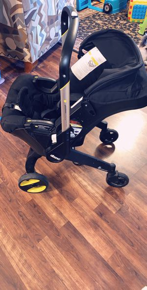 Doona car seat/stroller infant insert included for Sale in Pittsburg, CA