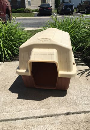Petmate Top Paw plastic dog house for small dog -please see detailed size in description for Sale in Westerville, OH