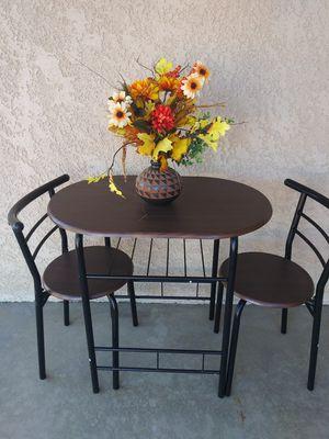 3 pieces dining set for Sale in Hemet, CA