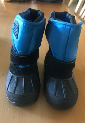 Kids snow winter boots size 7 for Sale in Scottsdale, AZ