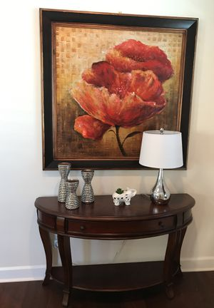 Like new! Hooker furniture foyer console table for Sale in Monroe, WA