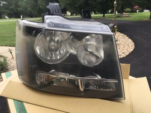 Passenger side headlight for Sale in Powhatan, VA