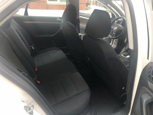 10 Volkswagen Jetta 2.5