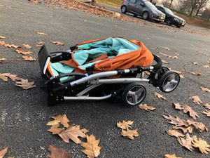 Bumbleride stroller - takes on infant car seat for Sale in Fairfax, VA