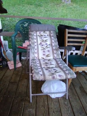 Lawn chair for Sale in Bluefield, WV