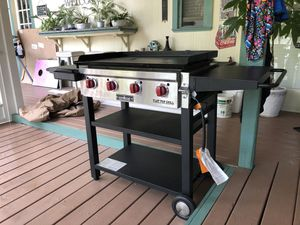 Camp Chef - flat top and grate grill. for Sale in Tarpon Springs, FL