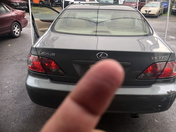 BEAUTIFUL Lexus WITH ONLY 102 thousand miles
