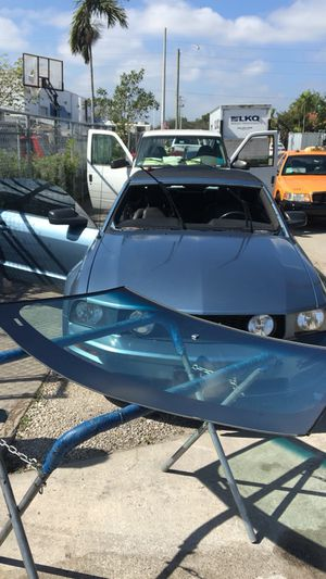 Windshield mustang 04 for Sale in Miami Gardens, FL