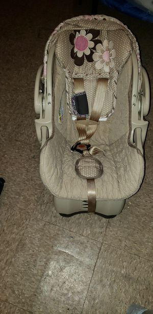 Girls car seat for Sale in Philadelphia, PA