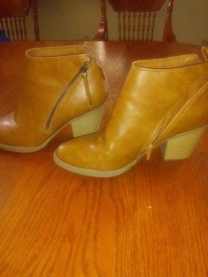 Women boots 7 1/2 for Sale in Las Vegas, NV