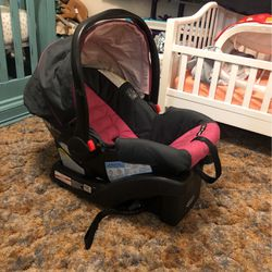 Graco Click Connect 30 for Sale in Fresno,  CA