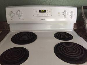 White Kitchen Stove & Fridge for Sale in Orange City, FL