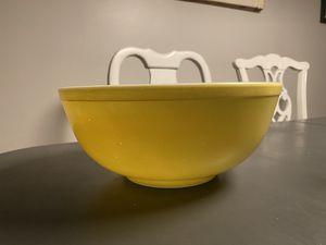 Large yellow Pyrex mixing bowl for Sale in Phoenix, AZ