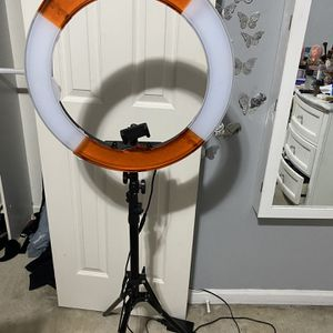 "Neewer Ring Light Kit:18""/48cm Outer 55W 5500K Dimmable LED Ring Light for Sale in Alexandria, VA"