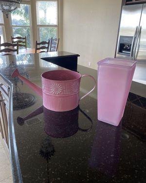 Pink watering can and vase set for Sale in St. Petersburg, FL