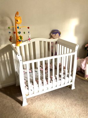 Baby crib and waterproof mattress 26x42 for Sale in Voorhees Township, NJ
