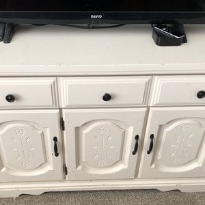 White/cream Dresser for Sale in Hanford, CA