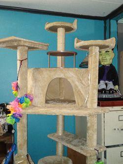 Cat Tower for Sale in Sebring,  FL
