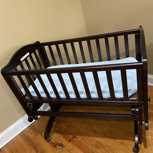 Delta: Dream On Lullaby Cradle Glider for Sale in Brandon, MS