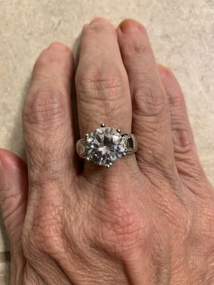 New CZ 3 kt sterling silver wedding ring size 9 for Sale in Palatine, IL
